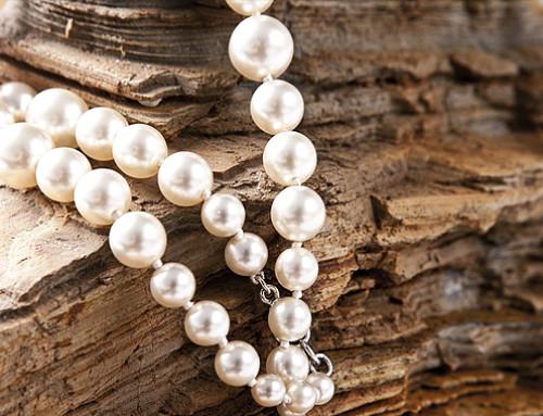 Cuidado y mantenimiento de joyas con perlas cultivadas y cuándo regalarlas